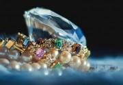 Why women love gemstone and diamond jewellery?